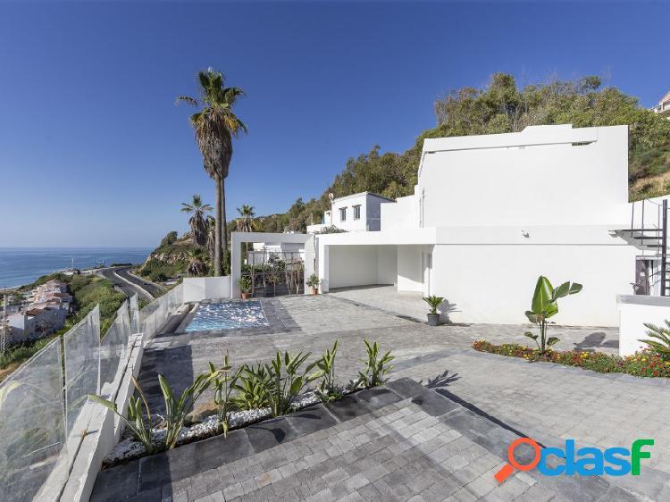 Casa pareada con piscina privada e impresionantes vistas al mar en la Chullera, Manilva 3