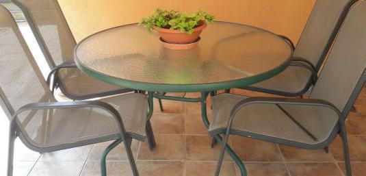Mesa y 4 sillones para terraza