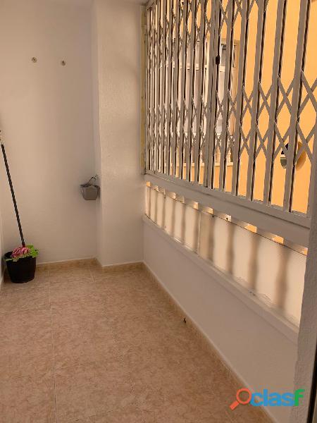 Apartamento con Piscina Comunitaria, Torrevieja 3