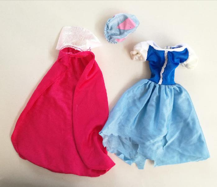 Barbie blancanieves disney ropa vestido azul capa