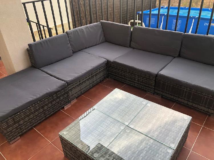 Conjunto sofa y mesa jardin