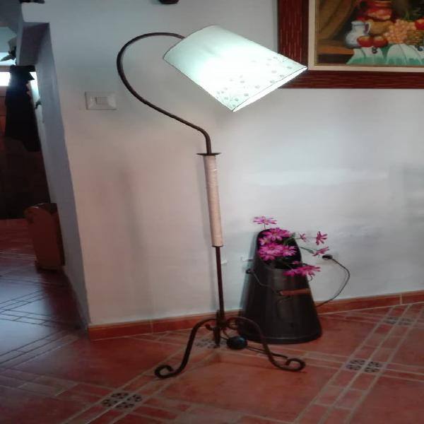 Forja pie lampara ambiente