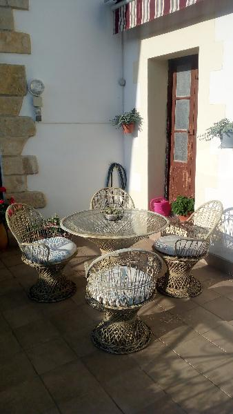 Mesa y 4 sillas de terraza