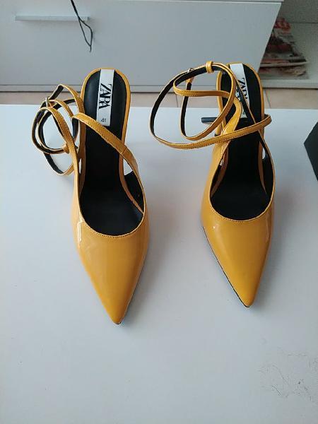 Zapatos de zara color mostaza
