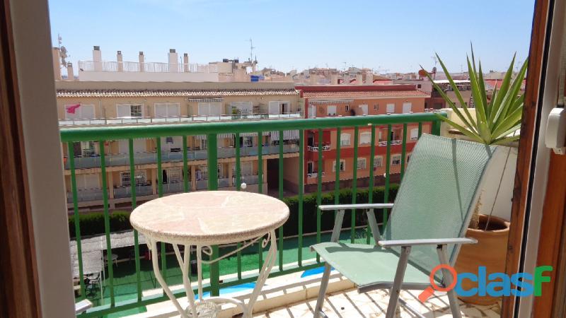 Apartamento con piscina comunitaria en nueva torrevieja