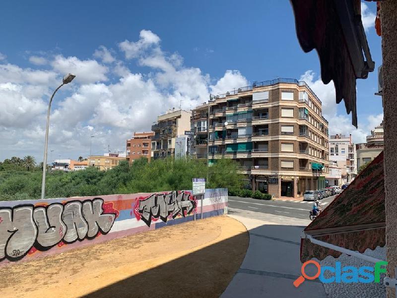 Apartamento en primera línea a 100m de la playa acequión, torrevieja