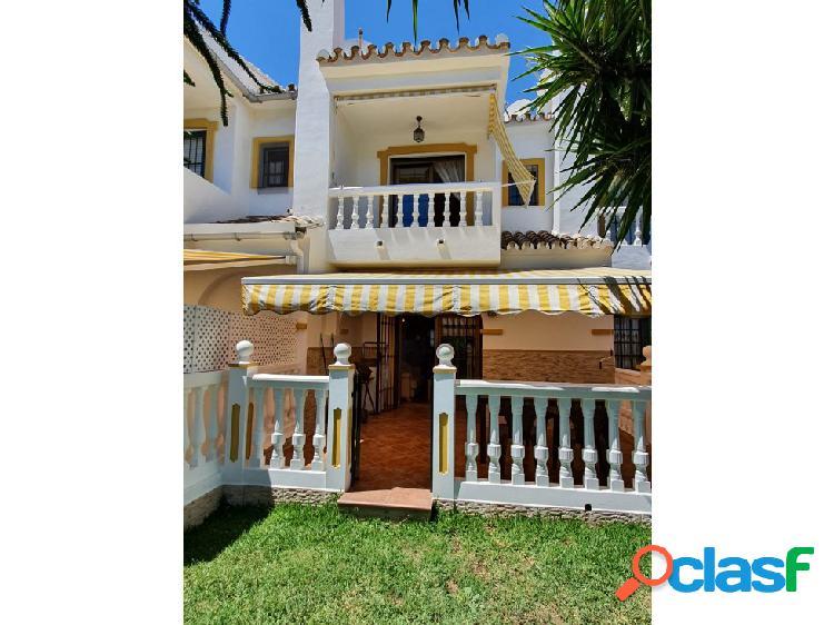 Casa adosada en alquiler de vacaciones con jacuzzi y barbacoa 2