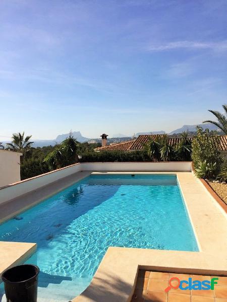 Villa vista al mar en Moraira 2
