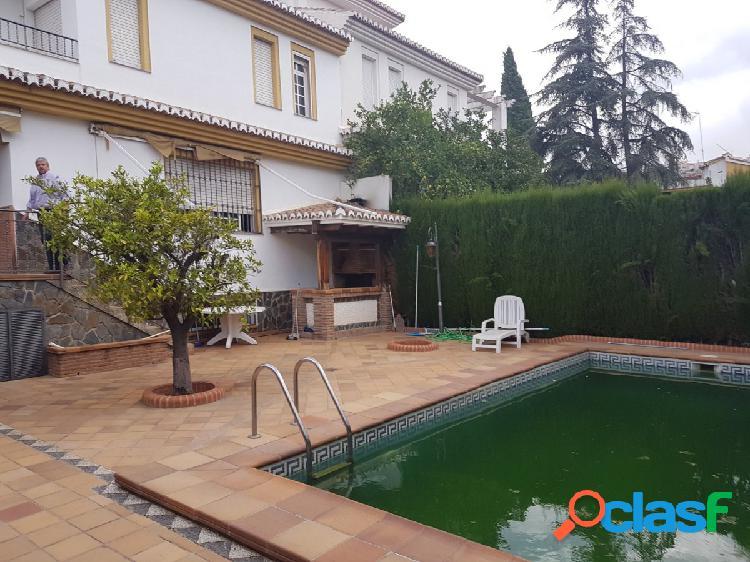 Estupendo Chalet independiente 5 dormitorios y 4 baños con piscina junto C.C Serrallo plaza 2