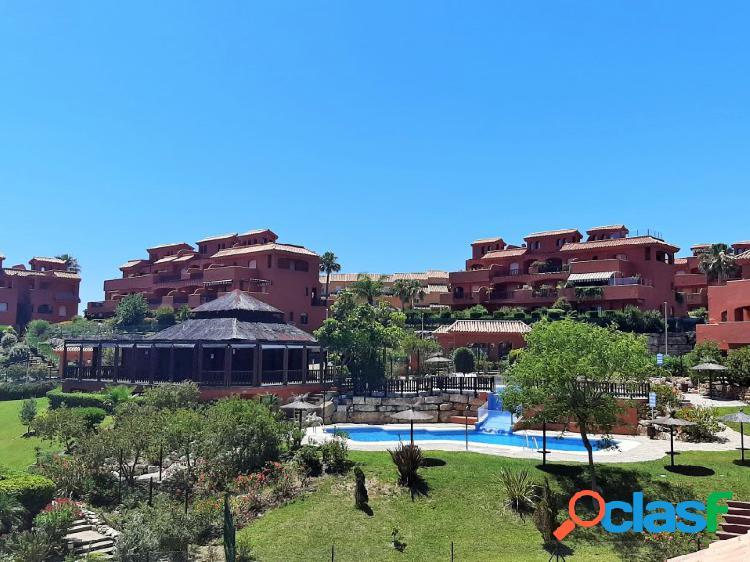 Apartamento dúplex más solarium situado en preciosa urbanización con jardines y piscinas comunitarias