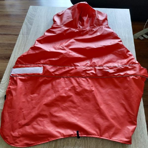 Abrigo/chubasquero perro 70 cm