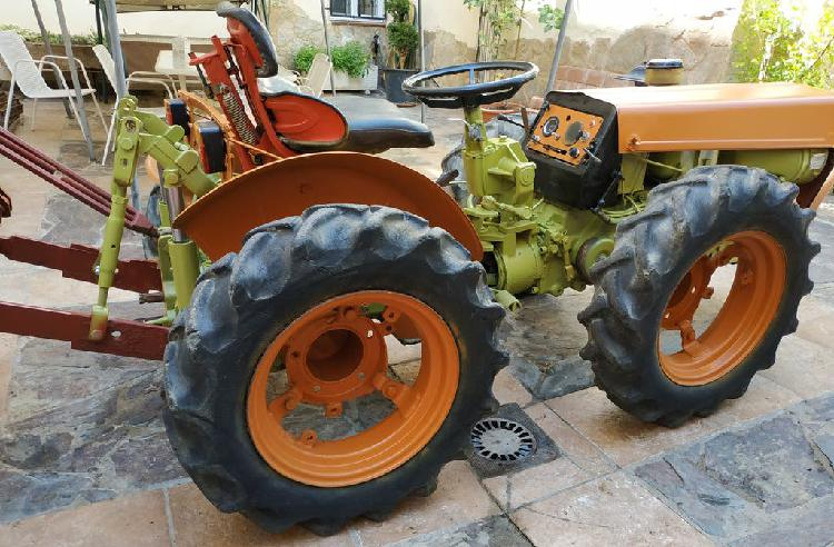 Agria 9900 con cultivador