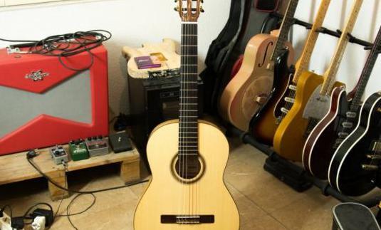 Guitarra flamenca artesana