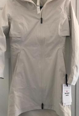 Lululemon rain rebel jacket tundra trek 1/2 zip