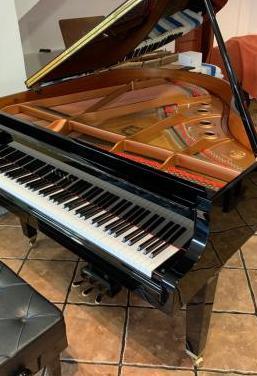 Piano cola yamaha gb1 nuevo de exposición