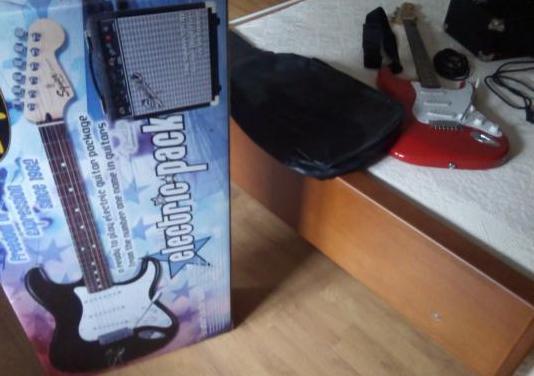 Pack de guitarra fender squier se-100 como nueva