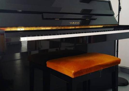 Piano yamaha e-108 usado en perfecto estado