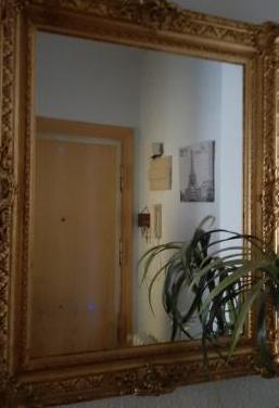 Espejo antiguo grande de pan de oro