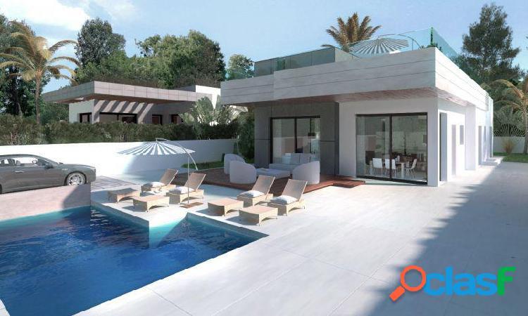 Villa independiente 3 dormitorios, 3 baños, piscina privada y parking en rojales