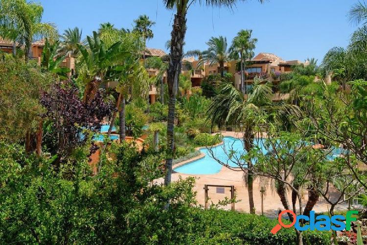 Complejo mansion club, situado sobre la milla de oro, marbella.
