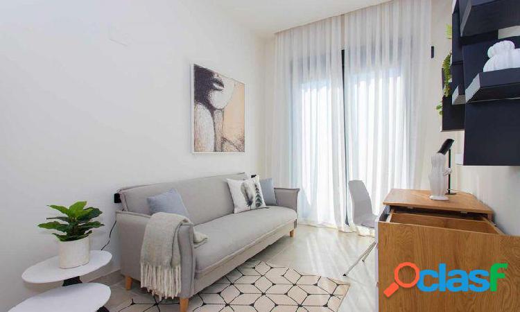 Dúplex 3 dormitorios y 2 baños con jardín en Villamartín 3