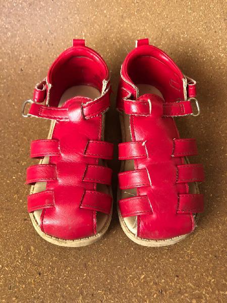 Sandalia roja talla 23