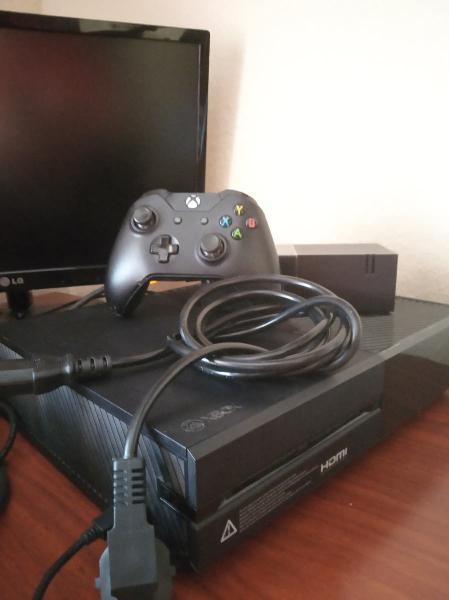 Xbox one+mando+2 juegos