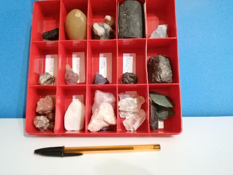 Caja con 28 minerales diferentes