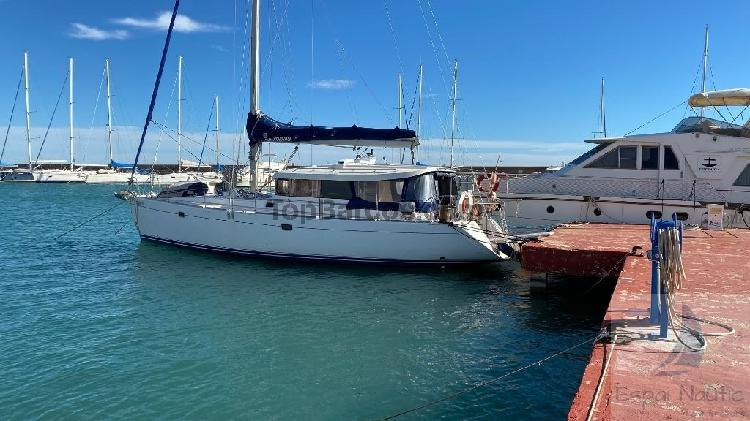 Dufour yachts atoll 43