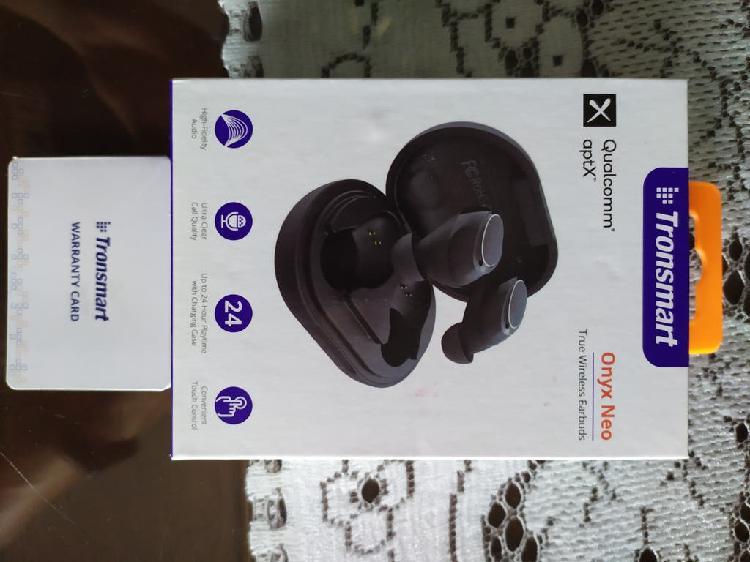 Auriculares inalámbricos con control táctil