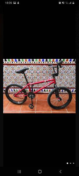 Mountain bike modelo b'twin