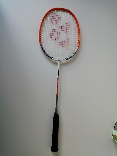 Raqueta bádminton yonex (+funda)