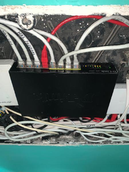 Switch d-link dgs-1008 + regalo switch g0-5w-5g