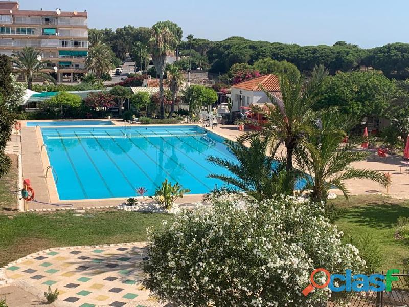 Apartamento con vistas a la piscina a un paso de la playa, la mata