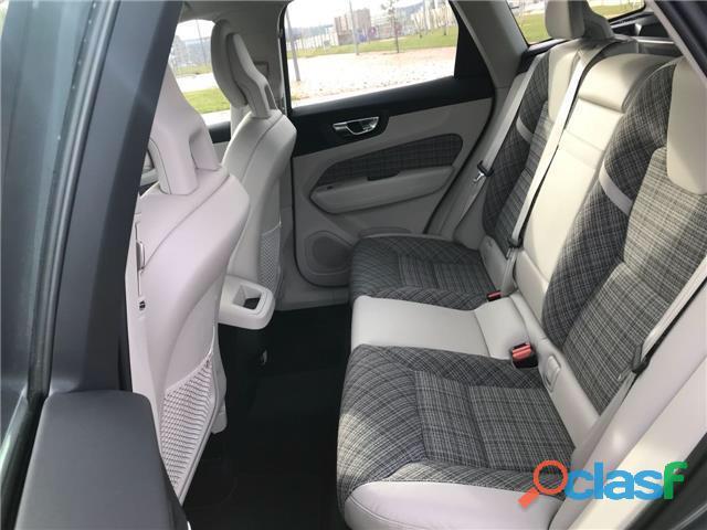 Volvo XC60 D4 Momentum AWD Aut. 190cv 6
