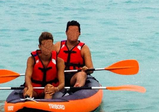 1 kayak itiwit tribord , 2 remos y 3 chalecos