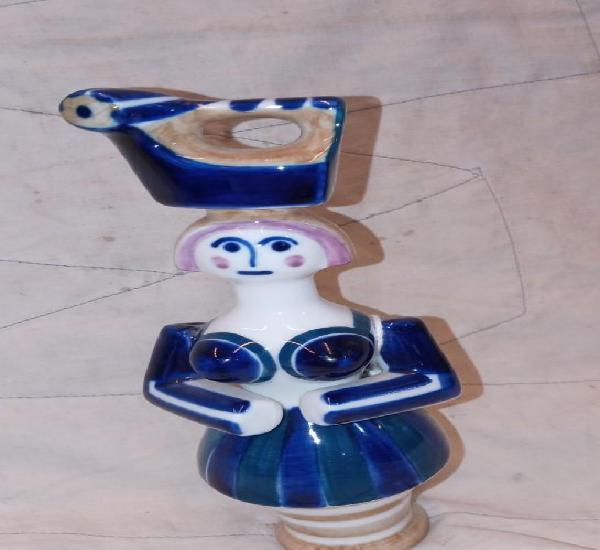 Mujer con plancha figura de porcelana de sargadelos