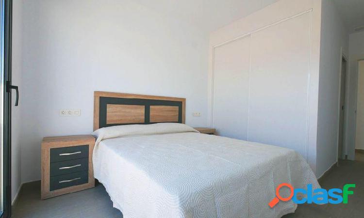Villa con parking, piscina privada, solárium, 2 baños y 3 dormitorios en Ciudad Quesada 1