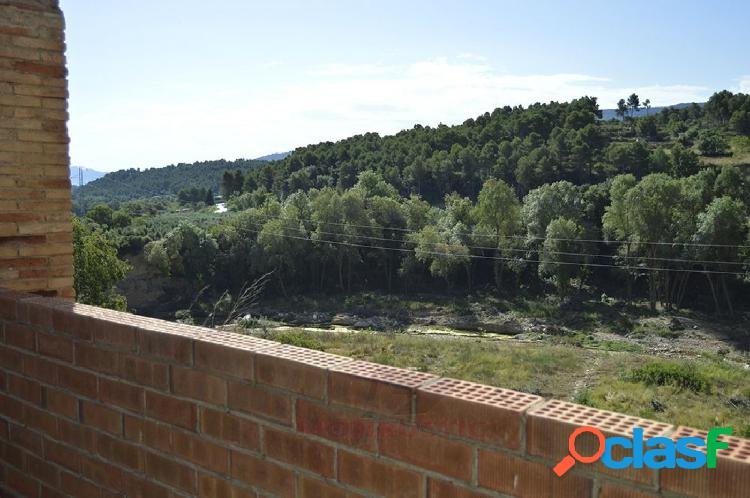 Solar urbano en venta calle mayor de vimbodi con 78 m2 de solar, vista a las montañas de prades