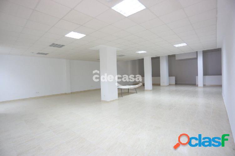 LOCAL COMERCIAL Centro de 450m2 3