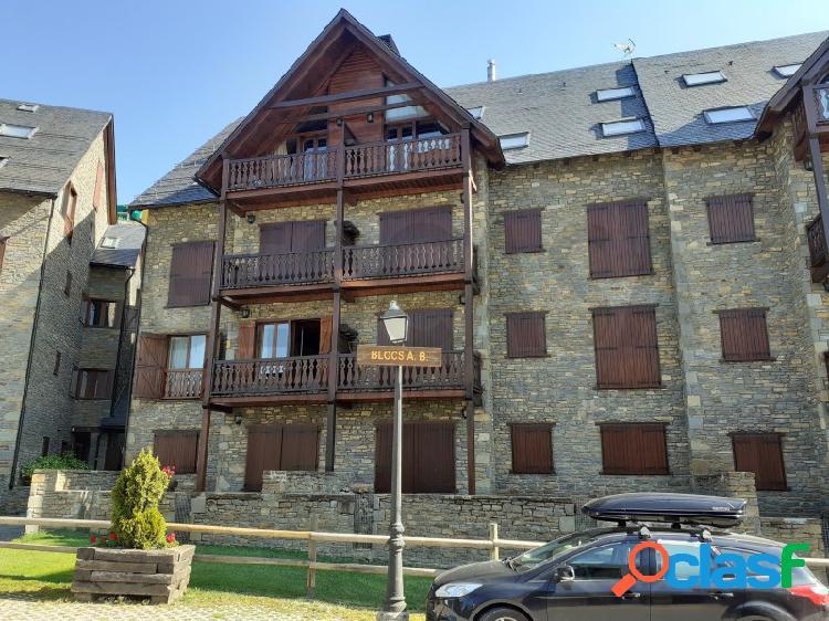 Apartamento duplex situado en la urbanización de pleta de nheu en baqueira-beret