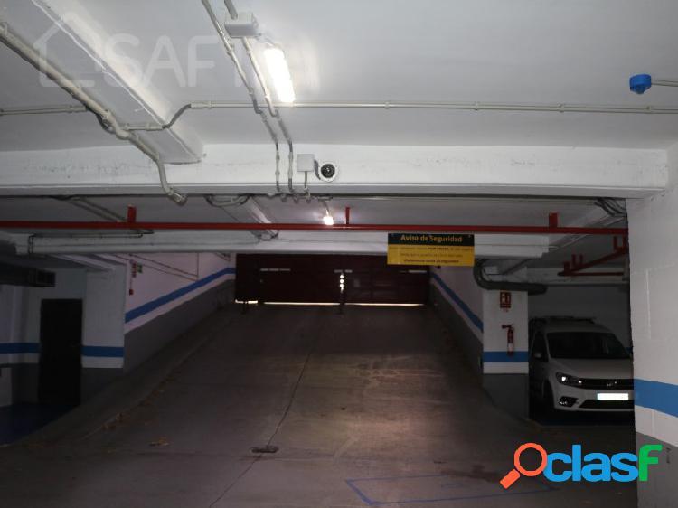 Garage en zona alta actividad comercial