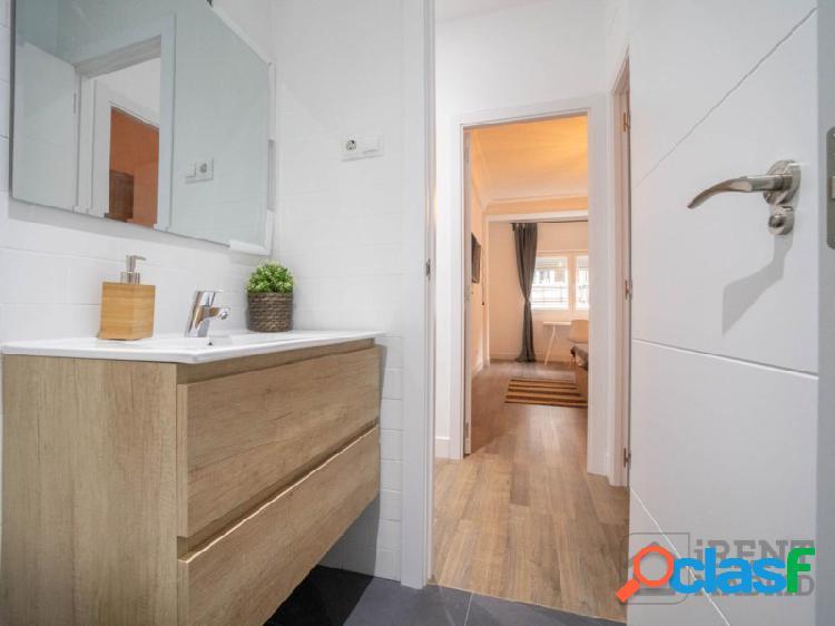 Habitación con terraza privada en embajadores / lavapiés