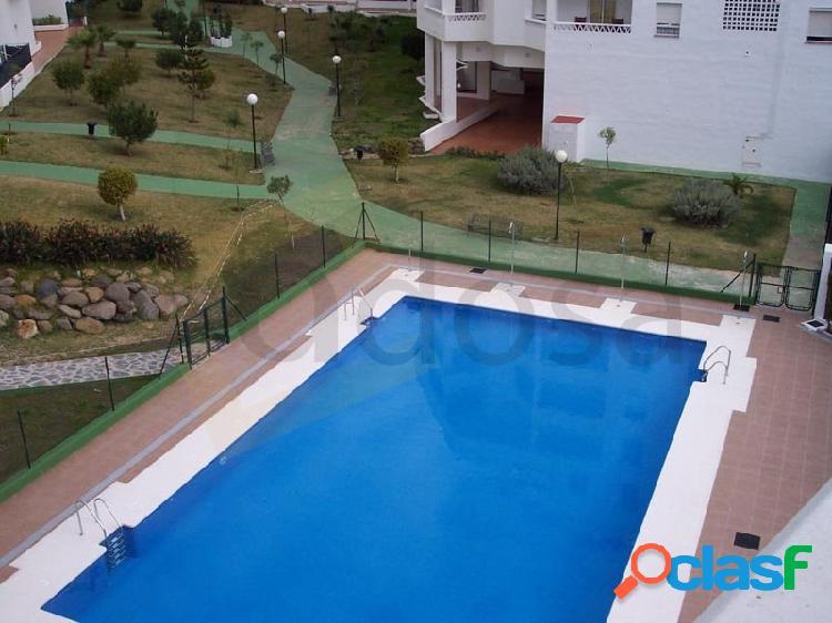 Atico en nueva andalucia, gran terraza con estupendas vistas al mar