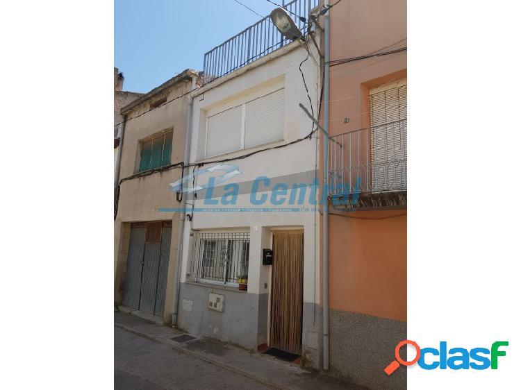 Acogedora casa en venta en santa bárbara. inmobiliaria tortosa 11252