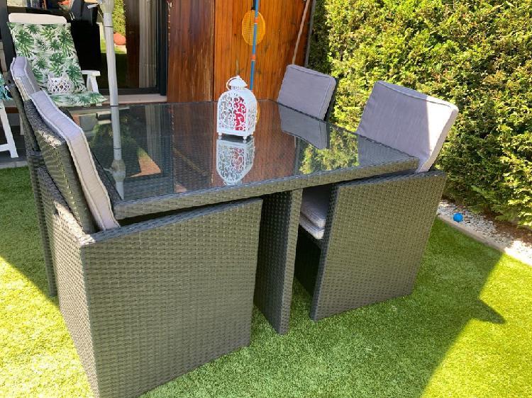 Conjunto mesa y sillas jardín hasta 8 plazas