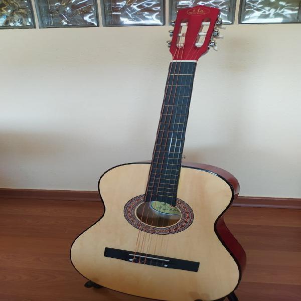 Guitarra clásica española como nueva