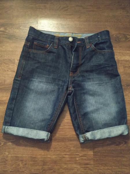 Pantalón corto vaquero de chica