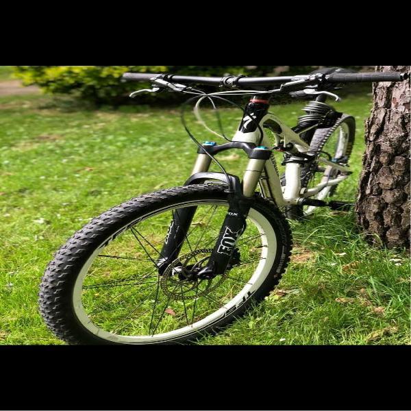 Bici specialized escucho ofertas solo interesados