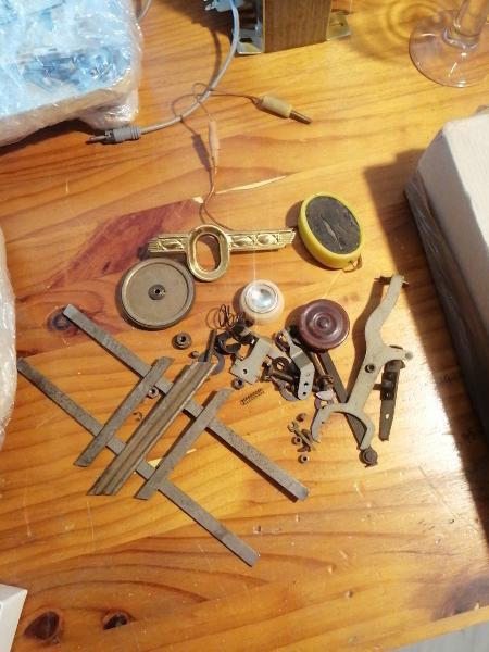 Piezas de radios antiguas de válvulas